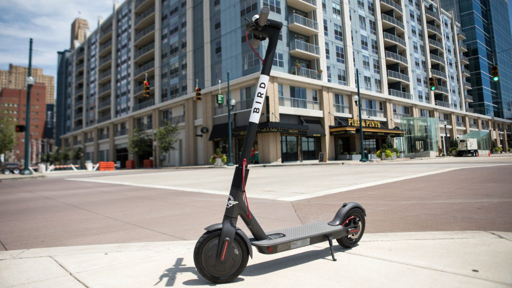 Another country allows electric scooters to go on the road! When is it the turn of China?