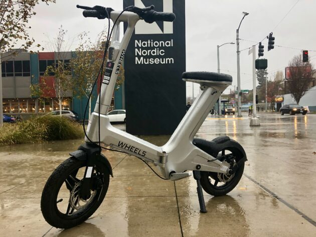 Wet, windy, Wheels: Test ride in miserable Seattle weather makes this sit-down scooter stand out
